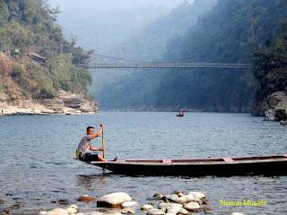 India Bangladesh Border near Dawki Tamabil Meghalaya