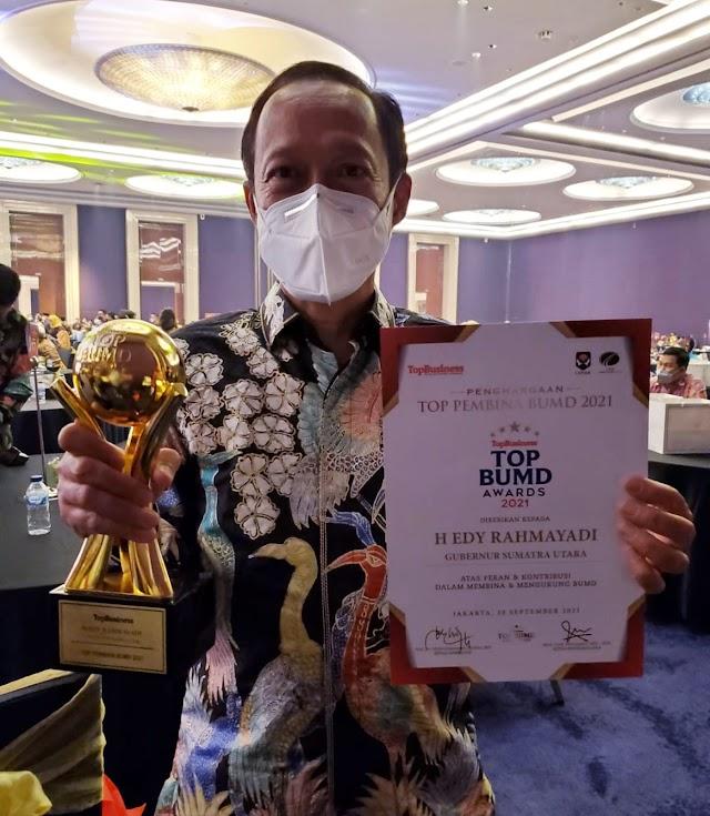 Gubernur Edy Rahmayadi Raih Penghargaan Top Pembina BUMD 2021