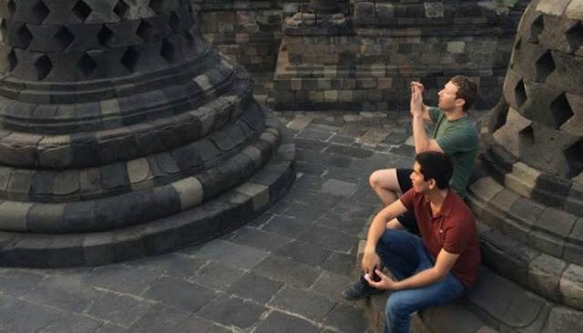 Mark Zuckerberg Mengunjungi Candi Borobudur