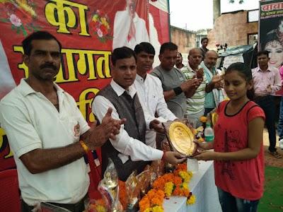प्रतिभाओं को निखारने बॉलीबॉल टूर्नामेंट का आयोजन, युवा नेता जीतू भैया ने किया विजेताओं को पुरस्कृत