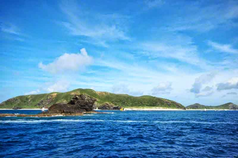 islands under blue skies