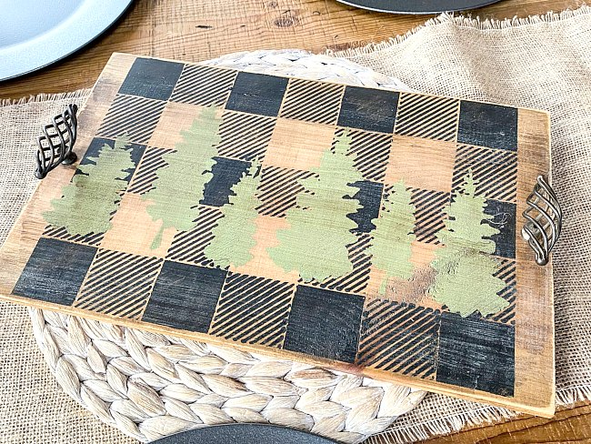 DIY Stencil a buffalo checked cheeseboard tray for the holidays
