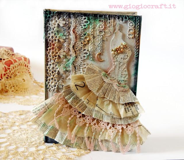https://1.bp.blogspot.com/-ENtH4sNQDRM/W4MRsM2ufLI/AAAAAAAASwA/3BBzF7e9llc3jCw3rXnvwUwC3Qe4pB5zgCLcBGAs/s640/book_dressform1.JPG