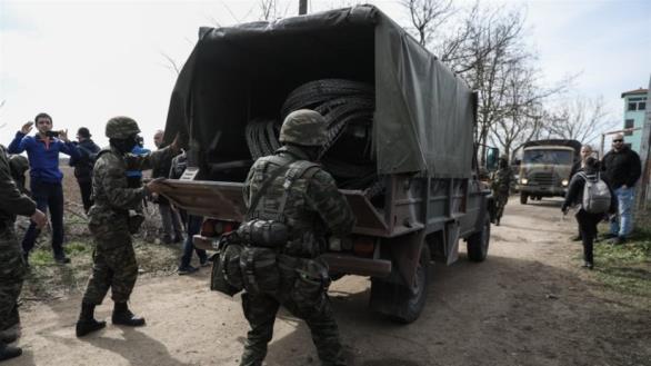 Έβρος: Κύμα συμπαράστασης σε στρατιώτες και αστυνομικούς από πολίτες