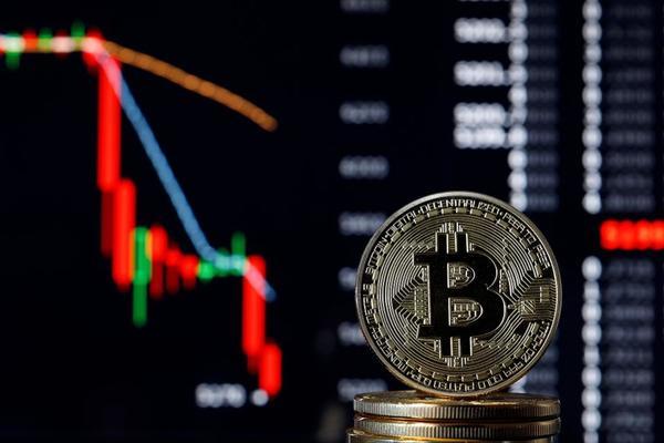 العملات الرقمية تتهاوى، و البيتكوين يفقد الكثير من قيمته بسبب كورونا