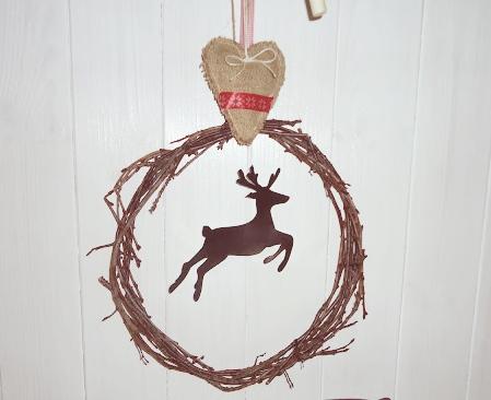 wianek bożonarodzeniowy z gałęzi