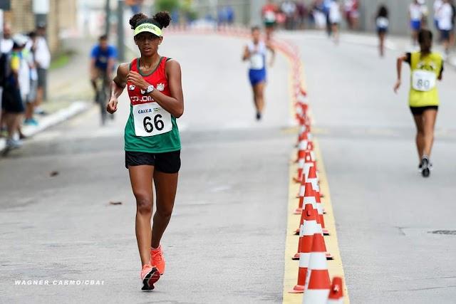 Atleta de Colombo ganha medalha de ouro no Brasileiro Sub-16 de atletismo