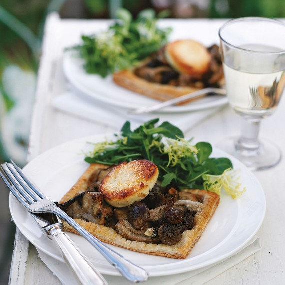 Christmas starter - Mushroom, Goat's Cheese and Tarragon Tartlets with recipe link