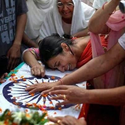 Desh Bhakti Kavita ~ घायल सैनिक का पत्र - अपने परिवारके नाम