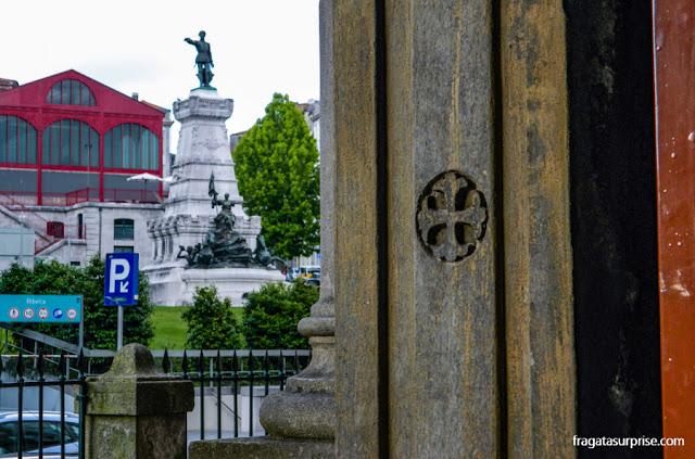 Monumento ao  Infante D. Henrique, Porto, Portugal