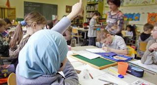 ألمانيا: توصية ضد ارتداء الحجاب في دور الحضانة والمدارس الابتدائية
