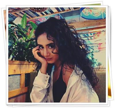 AZALEEA  NECULA Biografie Instagram