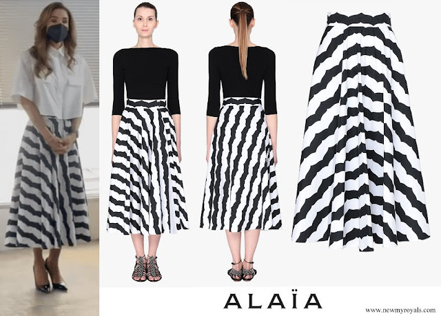 Queen Rania wore a new long skirt and white shirt from Alaia
