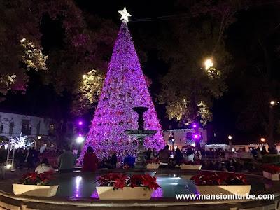 Christmas Tree in Pátzcuaro at Vasco de Quiroga Square