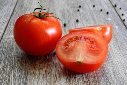 8 Manfaat Tomat Untuk Kesehatan Wajah