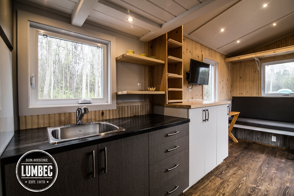 07-Lumbec-Tiny-House-with-a-lot-of-Architectural-Character-www-designstack-co