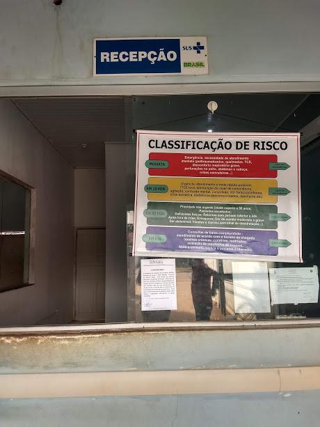 Servidores cobram salários atrasados e paralisam atividades em Guajará-Mirim