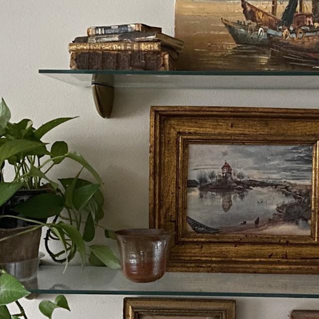 styling shelves vintage style