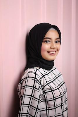 foto cewek hijab di studio ala selegram