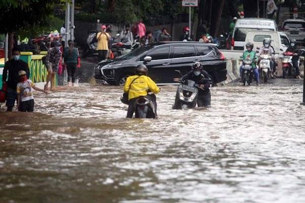 Arief Poyuono: Siapapun Gubernurnya, Jakarta Pasti Tenggelam