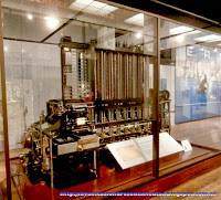 Una de las primeras máquinas de calcular, expuesta en el Science Museum