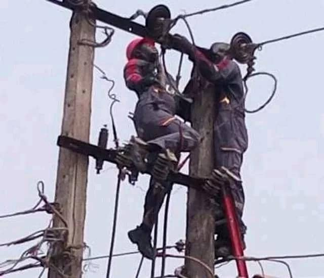 Two Electricity workers Electrocuted in Delta state while they were working on the Electric Pole