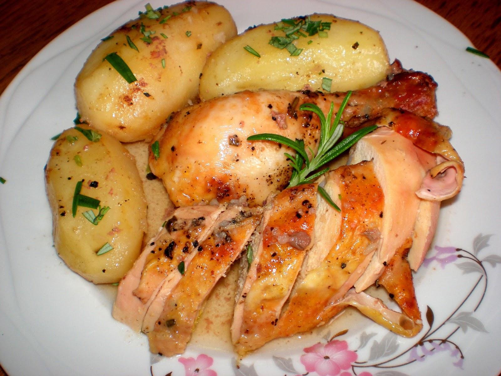 Pui cu cartofi și rozmarin