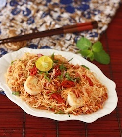 spicy, sweet and sour asian vermicelli noodle recipe (kerabu mee hoon)