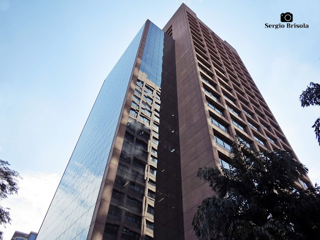 Perspectiva inferior do Edifício Los Angeles - Barra Funda - São Paulo