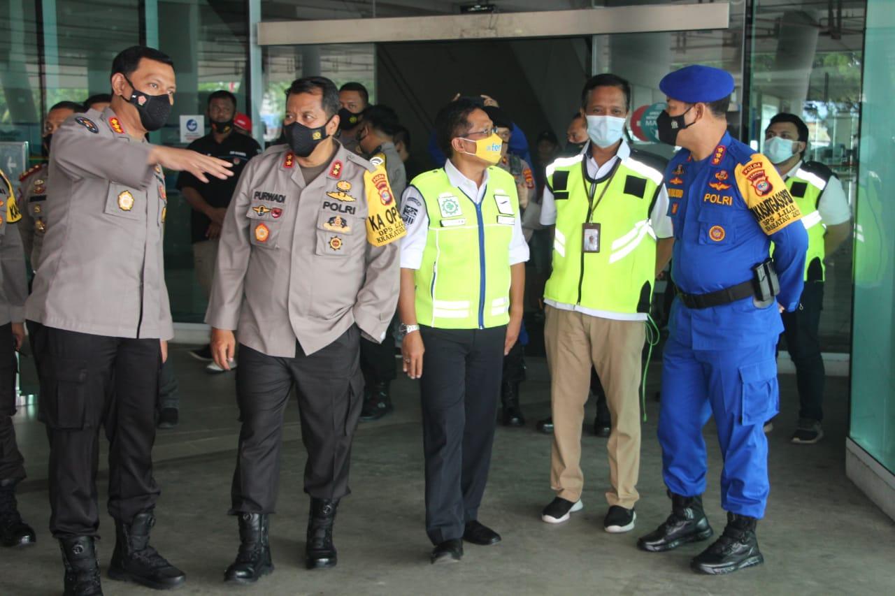 Kapolda Lampung mengecek kesiapan pos Pengamanan di rest areal bakter kilometer 72