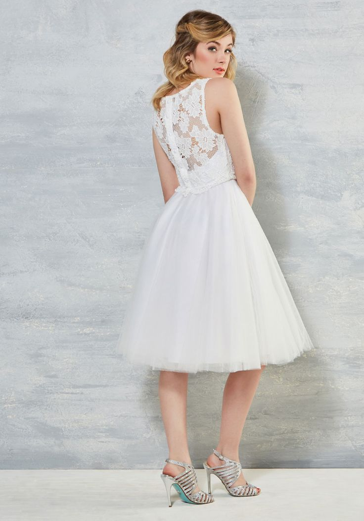 The Sunshine Bride: 15 Amazing Unique Wedding Dresses - All $200 ...