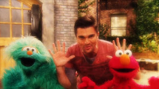 Juanes, Rosita, Elmo, Muevete, Sesame Street Episode 4314 Sesame Street OSaurus season 43