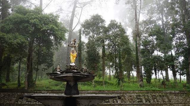 Puri Taman Saraswati: Lokasi, Rute, dan Harga Tiket