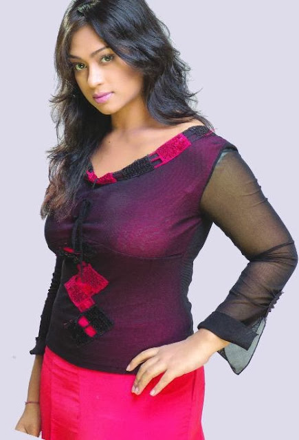 Hot picture of bd actress popy