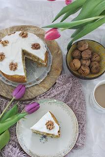 ciasto marchewkowe z kokosowym kremem