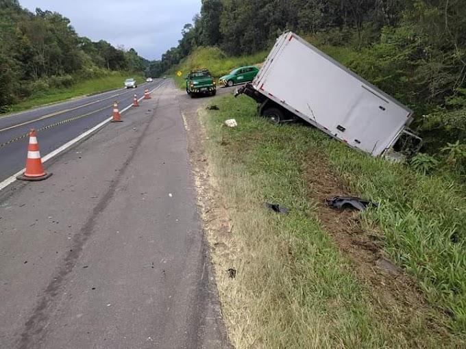 Homem morre em colisão frontal com um Ford Cargo na BR 277