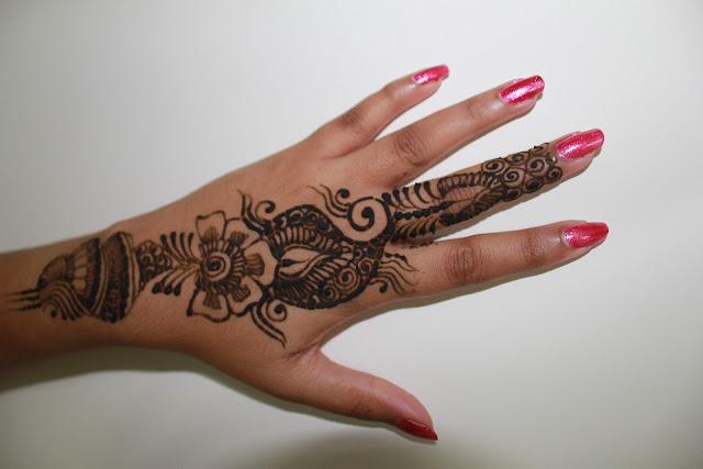 mehndi design in simple