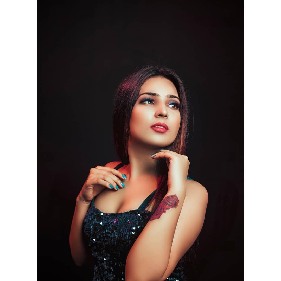 Prerna keshwani webseries actress hot photos gallery