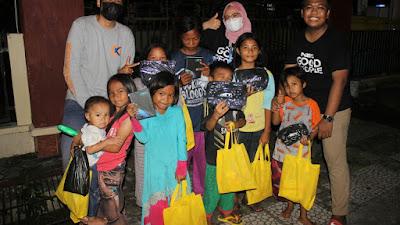 Komunitas NET. Good People Parepare Bagikan Paket Ceria Lebaran Kepada Anak Jalanan