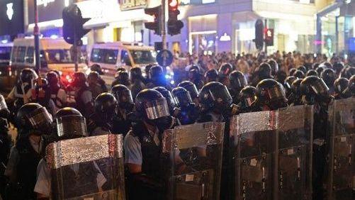 Protestas e injerencias agravan crisis política en Hong Kong