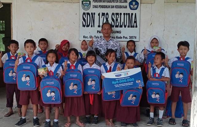 Hansaplast Salurkan Dana Pendidikan dan Kesehatan untuk 10 Anak Indonesia