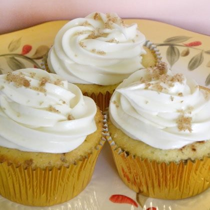 Cinnamon Streusel Cupcakes with Maple Icing