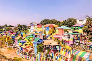 Sensasi Liburan Penuh Warna di Kampung Pelangi Jodipan