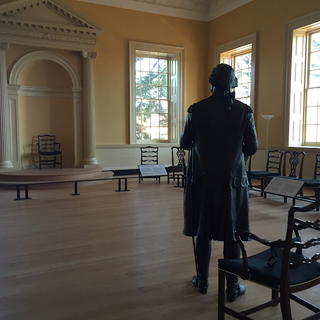 General George Washington resigning his commission at the Maryland State House