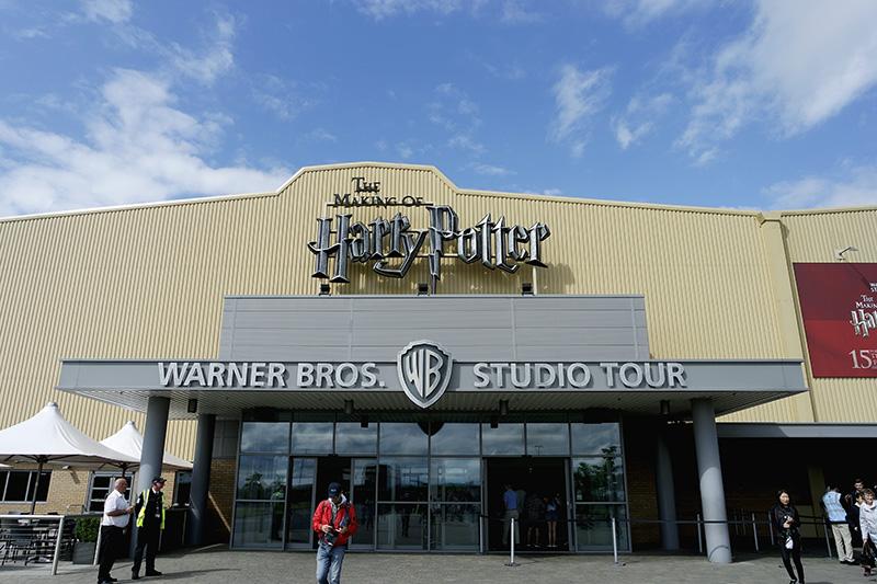 Harry Potter, London, Warner Bros studio tour, cinema studio, Hogwarts, magic world,