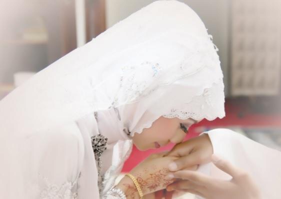 Inilah Alasan Mengapa Istri Wajib Taat Kepada Suami