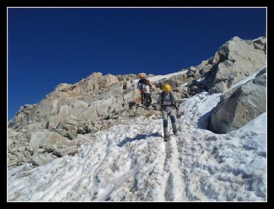 De la cima al Glaciar del Aneto