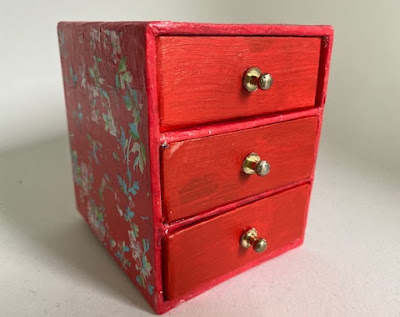 Mini decopatch chest of drawers
