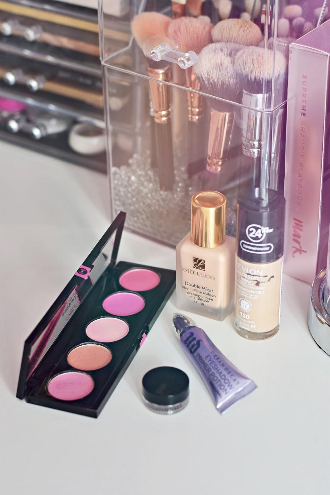 najlepsze_kosmetyki_do_makijażu_2019_ulubieńcy_blog