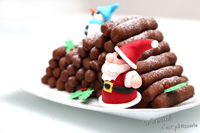 Tas de bûches de Noël